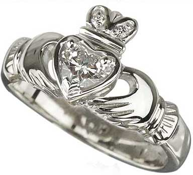 Solvar Claddagh Engagement Ring